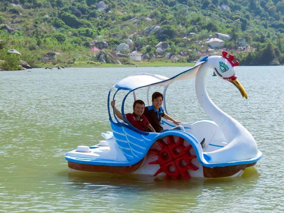 thuyền đạp vịt
